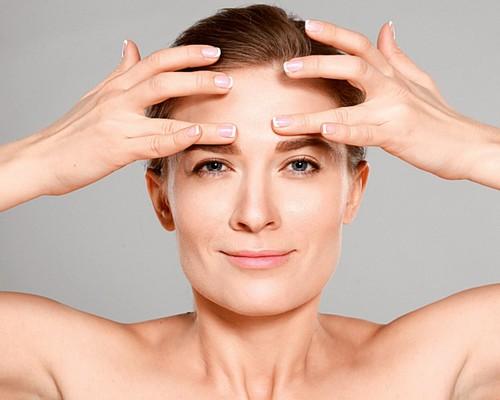 Подтяжка лица массажем